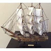 Antique Model Ship Bounty 12 X 12 Aprox