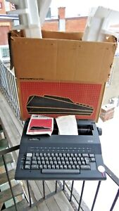 Smith Corona Se100 Electric Typewriter With Box Original Gold Medallion Used