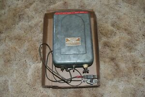 Vintage Parmak 6 Volt Charger Electric Fencer Fence Charger Stocker Model A s