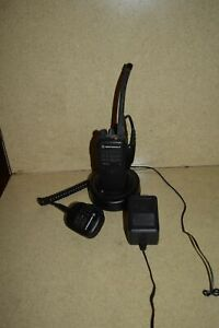 Motorola Ht750 Portable Two Way Radio W Base And Charger h