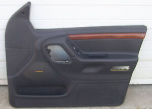 Right Front Door Panel 1999 2000 2001 2002 2003 2004 Jeep Grand Cherokee Limited