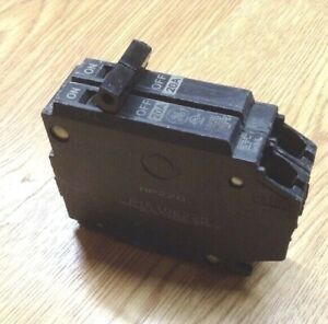 General Electric Ge Q line 20a 2 pole Tandem Circuit Breaker Thqp220 120 240v