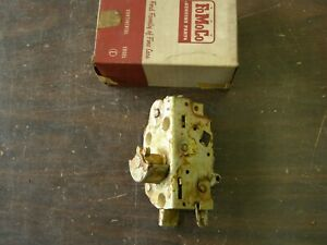 Nos Oem Ford 1961 1962 1963 Thunderbird T bird Door Latch Rh