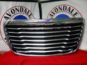 Chrysler 300 Liquid Chrome Grille Insert Oem Mopar