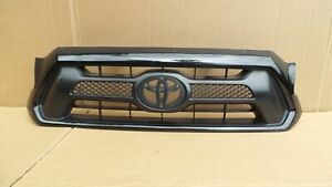 Toyota Tacoma Front Grille Grill 12 13 14 2012 2013 2014 53100 04470 Used