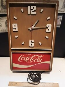 Vtg coca cola clock look nice