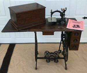 Antique Willcox Gibbs Treadle Sewing Machine Bonnet Top Small Automatic Works