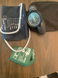 Welch Allyn Ds58 st Student Kit Handheld Blood Pressure Gague And Cuff