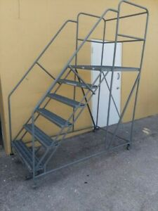 Rolling Work Platform Ladder 6 Step 24 W X 24 l 800 Lb capacity