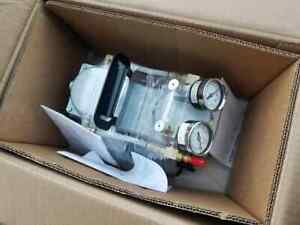 New in box Gast Daa v715 eb High Capacity Vacuum Pump With Gauge