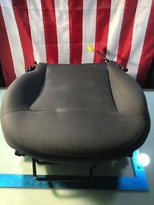 12 16 Fiat 500 2dr Pop Front Left Seat Lower Bottom Cushion W Track Oem R