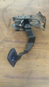 97 1998 Q45 Brake Pedal Assembly Foot Lever Bracket Tail Light Stop Lamp Switch