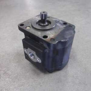 Used Hydraulic Pump Compatible With John Deere 4610 3520 110 4710 4510 3120