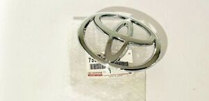 2004 2005 New Toyota Front Grille Emblem Camry Chrome T 04 05