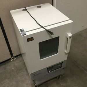 Baxter Scientific Products Ds 44 Gravity Convection Oven 17 75 x17 75 x19 25