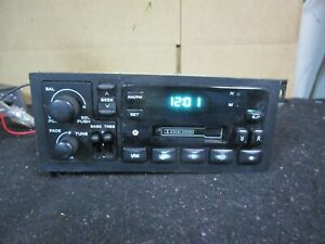 94 00 Jeep Wrangler Radio Stereo Cassette Player Receiver Oem 1994 2000 04858531