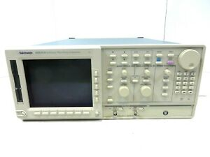 Tektronix Awg510 Arbitrary Waveform Generator 1gs s As Is Free Shipping