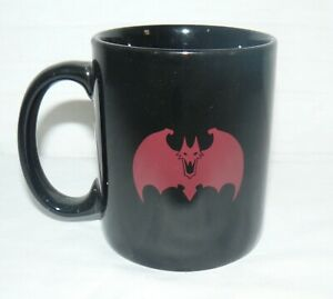 NO BRAND 10 OZ BATMAN COFFEE MUG CUP RED BAT WITH FANGS