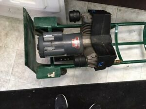 Thomas Pumps And Compressors Vortex Articulating 2hp Piston Air Compressor