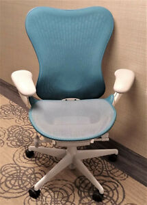 Authentic Herman Miller Mirra 2 Task Arm Chair Blue Mesh Adjustable