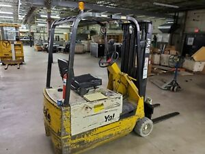 Yale Electric Fork Lift 24 Volts