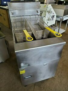 Pitco Sg 18 s Solstice 70 90 Lb Nat Gas Fryer W Stainless Steel Tank