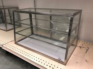 Carib 2t Dry Display Case Countertop Tapered Front Cases Glass 24 Length