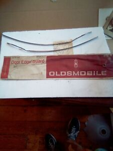 1966 Oldsmobile 88 98 Starfire Jetstar 88 Nos Gm 2 Door Edge Guard Set 982627