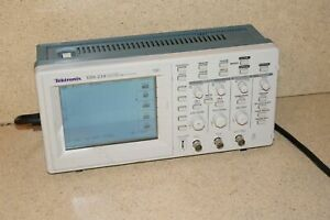 Tektronix Tds 210 Tds210 Two Channel Digital Real time Oscilloscope p4