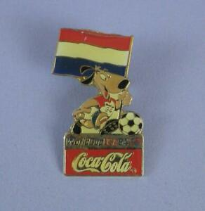 World Cup USA 1994 Coca Cola Pin Badge - Mascot With Netherlands Flag - Unused