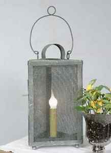 Country New Triangle Accent Light In Distressed Tin
