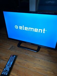Used Element 22 Led Tv Monitor Black With Remote And Power Cable