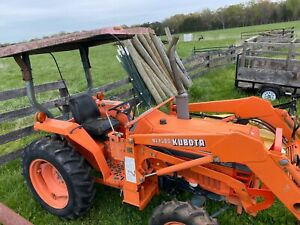 Kubota L2550 Tractor With Front End Loader And Bushhog