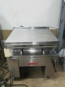 Reconditioned Vulcan 30 Gallon Tilt Skillet Electric