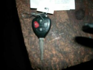 07 Toyota Camry Key Fob Remote 4 Button Mounted On Key