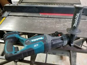 Makita 18v Cordless Rotary Hammer Drill Model Bhr241 Eats Concrete Cinderblock