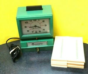 Used Acroprint Analog Manual Print Time Clock W month date 125 Nr4 600 Cards