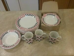Vintage 1996 Coca-Cola Gibson 8 Plates 6 bowls 3 mugs great condition.