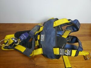 Dbi Sala Safety Harness With 1 Lanyard Size Med used