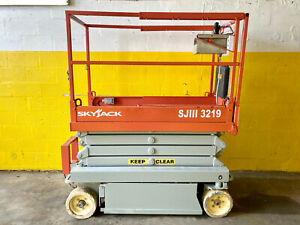 2012 Skyjack Sjiii 3219 19 Ft Electric Scissor Lift new Batteries