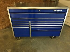 54 11 Drawer Blue Snap On Tool Box With Stainless Top In Excellent Condition