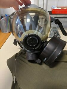 Msa 12940 101 Gas Mask With Carrying Case