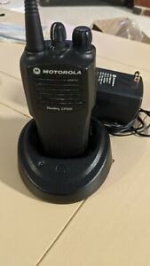 Clean Motorola Cp200 Uhf 4 Ch 438 470 Mhz Radio With Charger