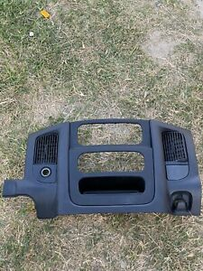 2002 2005 Dodge Ram 1500 Center Dash Trim Bezel Radio Surround Panel 02 05 Gray
