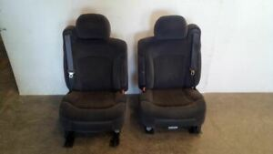Pair Of Front Power Cloth Bucket Seats From 2002 Chevy Silverado 1500 7290166