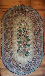 Vintage Hooked Rug Floral And Diamond Design Shabby Chic 59 X 35