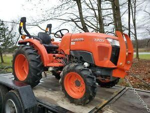 2018 Kubota L3301 Compact Tractor 4wd 4x4 Only 175 Hours One Owner Diesel