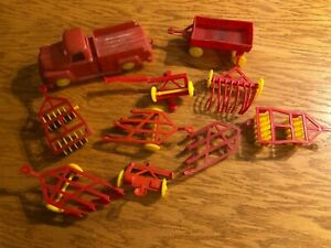Lot Plastic Toy Farm Implements And Tractors s7