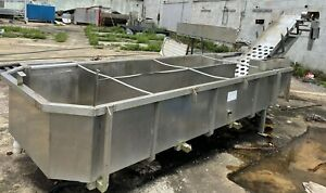 Stainless Steel Rounded Edge Open Vat With Attached Conveyor
