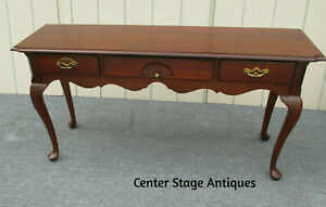 62311 Thomasville Cherry Console Library Table Stand